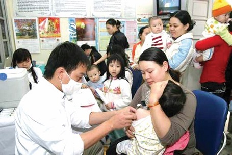 Chích ngừa vắc xin cho trẻ để phòng tránh bệnh1