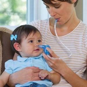 trẻ bị viêm phế quản, thông mũi cho bé để làm sạch đờm nhớt