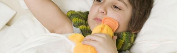 Trẻ sơ sinh bị cảm cúm, bệnh lành tính nhưng không thể xem thường!