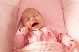 Trẻ bị đau bụng quanh rốn